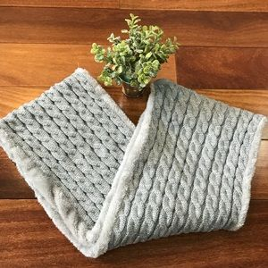 Accessories - Women's Circle Knit Neck Thick Gray scarf🎀